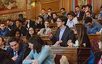 Devenez membre du Conseil parisien de la jeunesse!