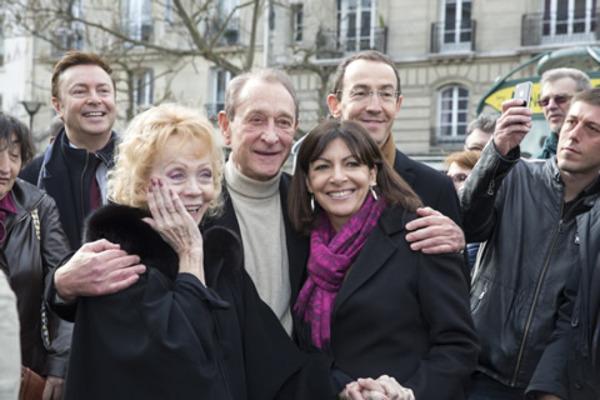 De gauche à droite : Isabelle Aubret, Bertrand Delanoë et Anne Hidalgo -
