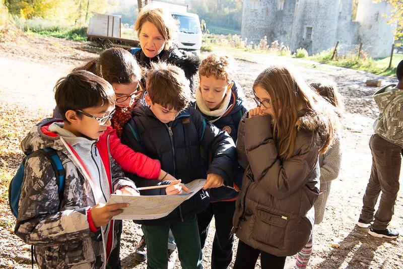 Les enfants à la découverte du camp retranché de Paris