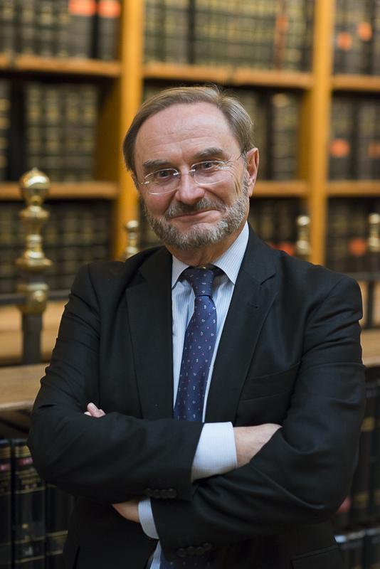 Pierre Casselle, directeur de la bibliothèque de l'Hôtel de Ville