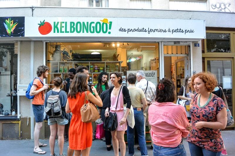 Boutique Borrégo, paréo avec des consommateurs