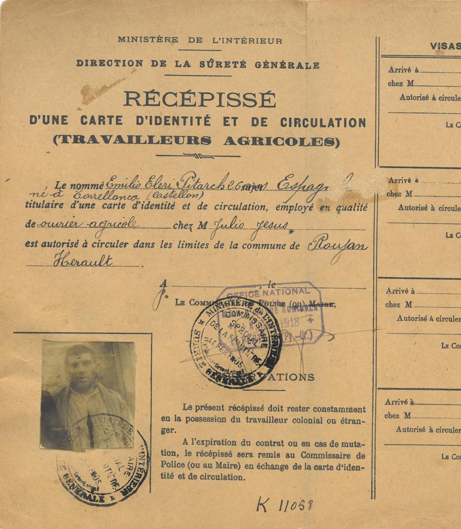 Récépissé d'une carte d'identité et de circulation (travailleurs agricoles) délivrée le 28 décembre 1918 par le Commissariat spécial de la frontière, Le Perthus (Pyrénées-Orientales)