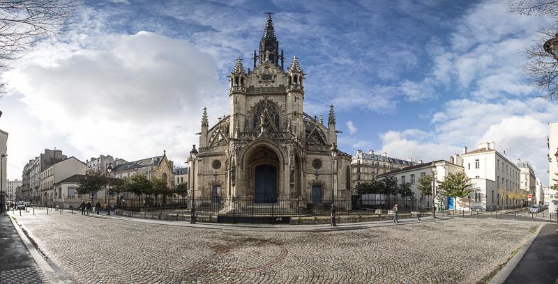 Vue sur l'église Saint-Bernard de la Chapelle depuis la rue Affre Paris 18ème Goutte d'or