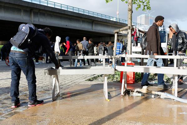 Paris mobilisée pour les réfugiés à la rue vignette 2