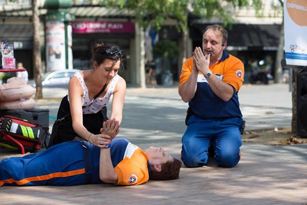 Formation aux premiers secours avec la protection civile