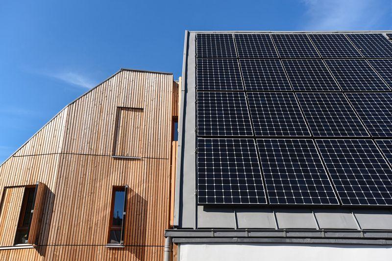 12 rue de l''Ermitage, Bâtiment à énergie positive qui fabrique plus d'énergie qu'il n'en consomme
