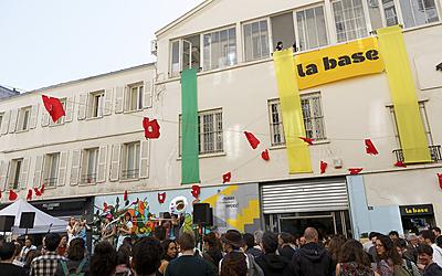 """Fête de la rue Bichat  et inauguration des nouveaux locaux de l'association """"La Base"""" (lieu inter-associatif dédié à la mobilisation citoyenne pour la justice climatique et sociale)"""