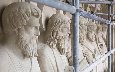 Restauration des groupes sculptés monumentaux de Cordier et Carrier-Belleuse à l'Église Saint-Augustin