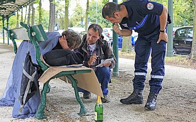 Assistant social à la direction de la Prévention et de la Protection DPP, Unité ASA (assistance aux sans-abri) sdf Agent personnel portrait
