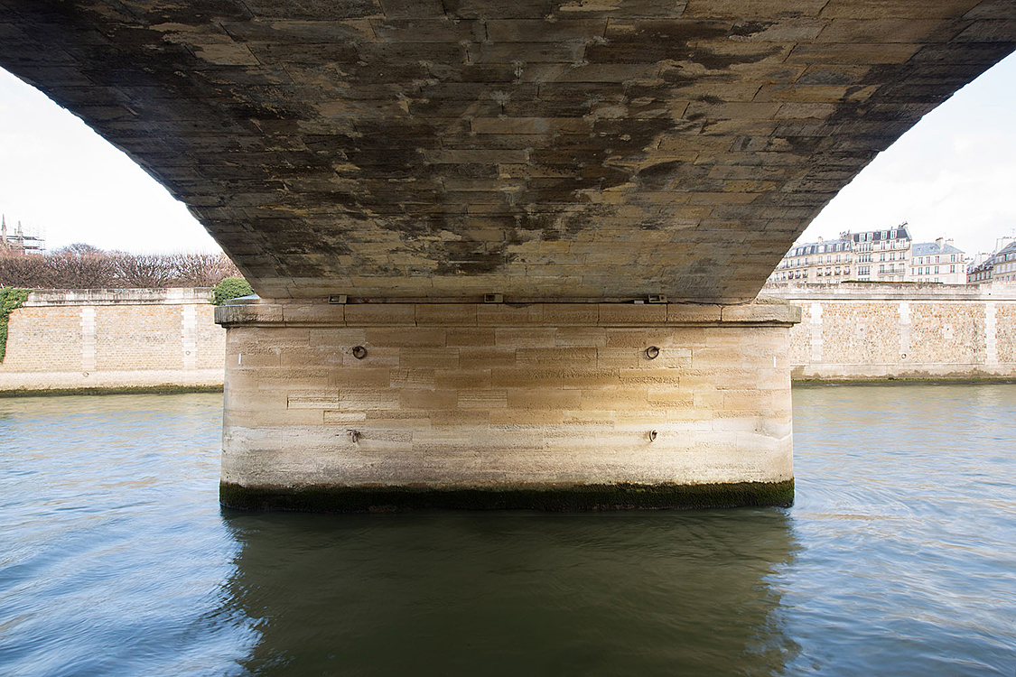 Pont de l'Archevêché, construit de 1826 à 1828 par l'ingénieur Plouard