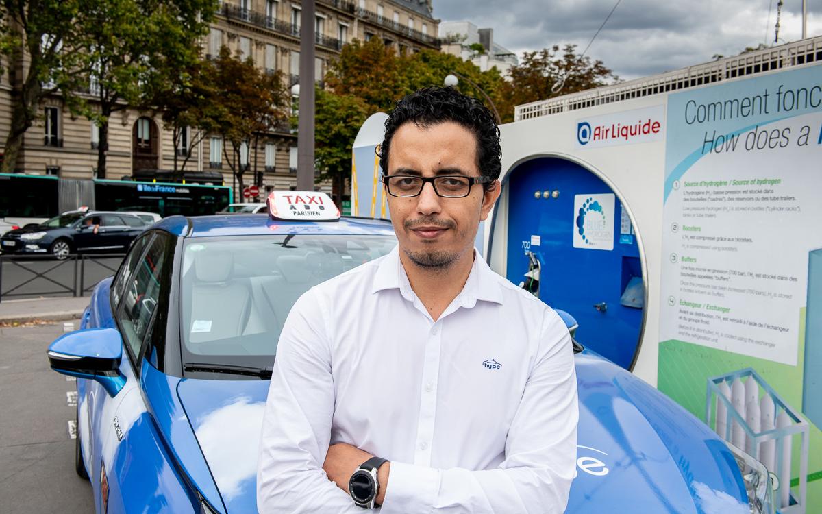Nabil Amhaouch , Chauffeur de taxi chez Hype