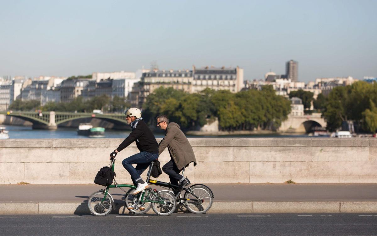 Vélos sur piste cyclable