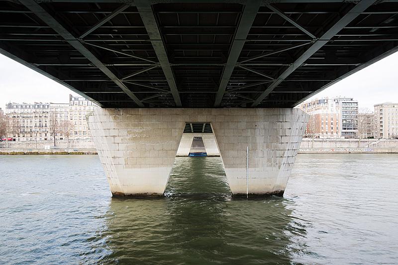 Pont du Garigliano, construit de 1963 à 1966 par les architectes Davy et Thenault