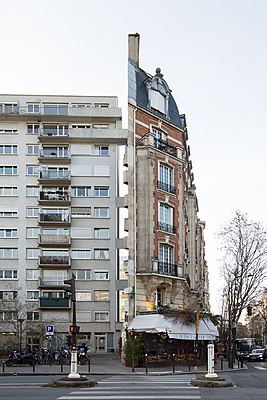 Angle de l'avenue Ledru-Rollin et rue de Charonne, Paris 11e