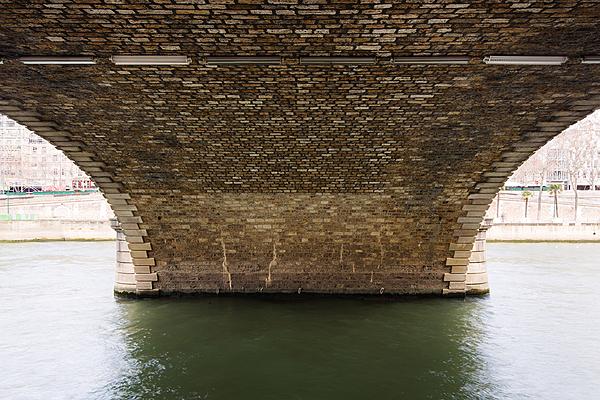 Pont Louis Philippe, construit de 1860 à 1862 par les ingénieurs Romany et Savarin