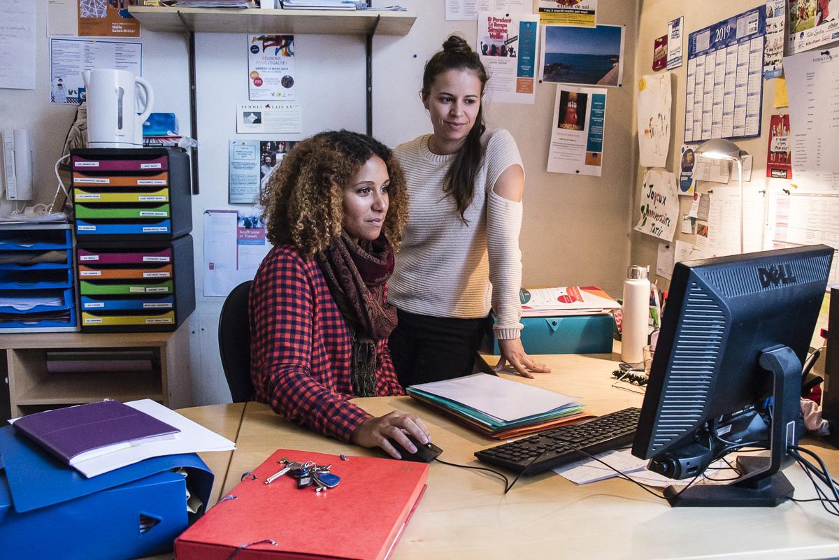 Joanna Marie-Rose et Florie Andreotti, deux éducatrices spécialisées du foyer Louise Labé