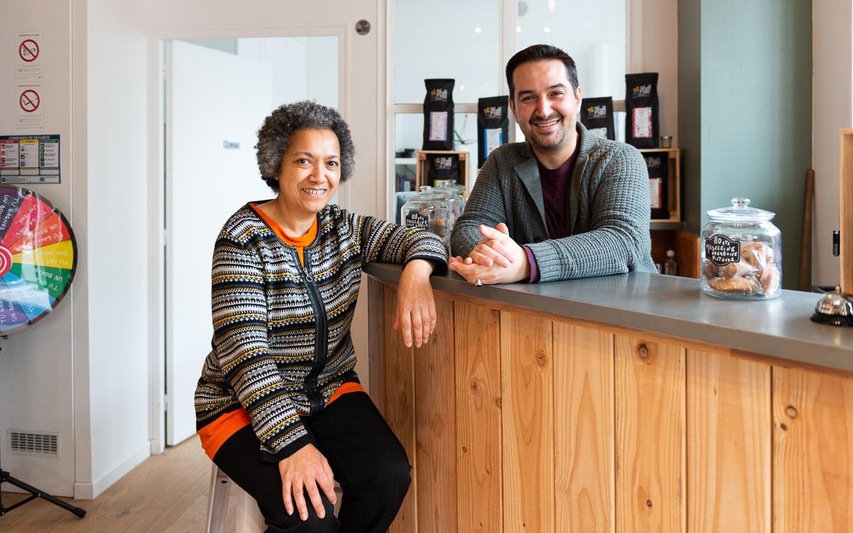 Carole et Mohamed s'occupent du Danube palace café 12 rue de la solidarité 75019