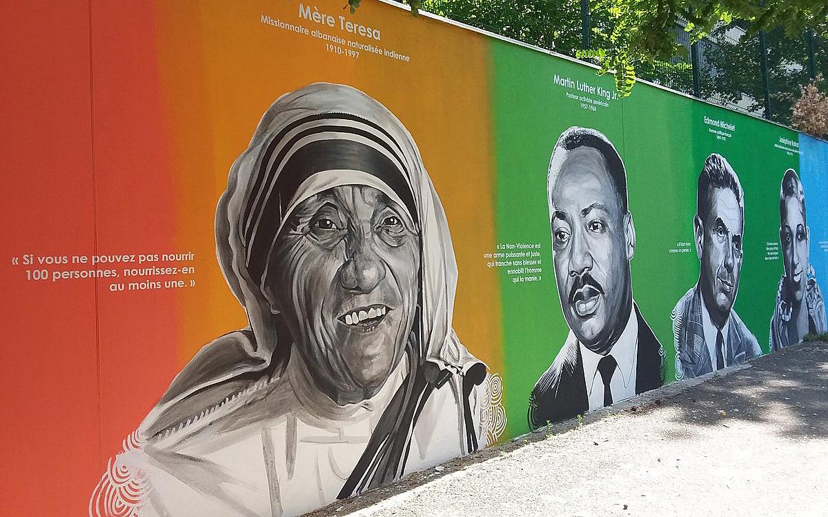 Peindre Une Fresque Sur Un Mur un mur de la paix réalisé dans un collège du 19e - ville de