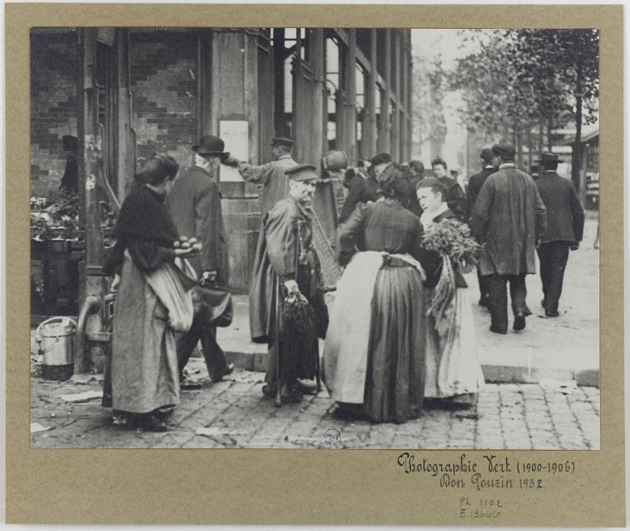Marchands aux Halles, 1er arrondissement, Paris.