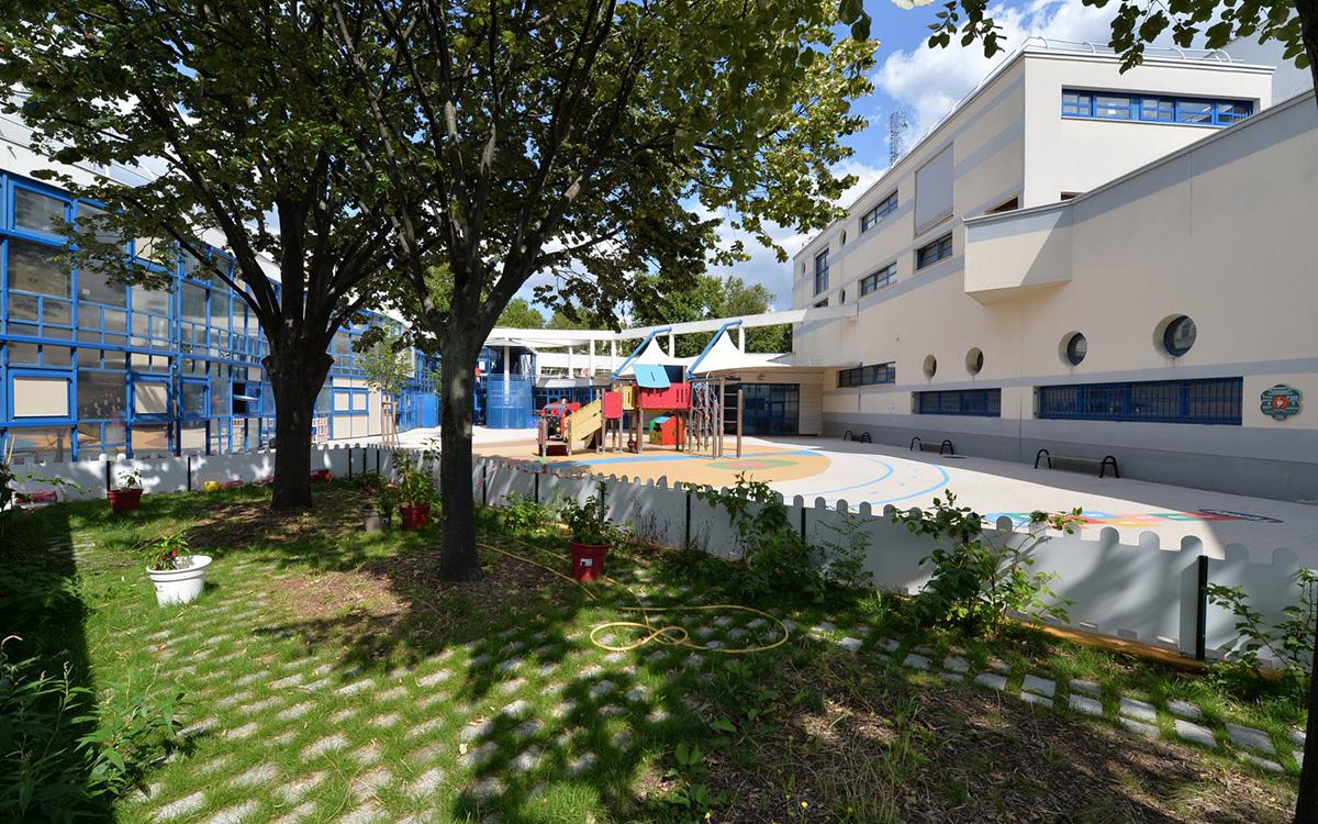 Cour Oasis de l'école maternelle Daumesnil (12e)
