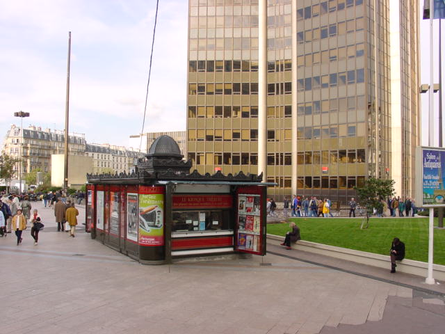 Kiosque Ville Place Raoul Dutry (15e)
