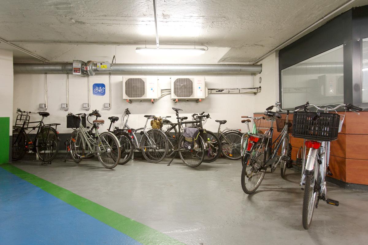 Parking vélo rue de l'Ecole de Médecine