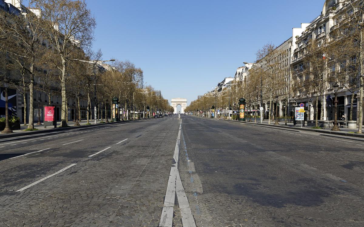 Avenue des Champs Elysées sans bruit ni pollution