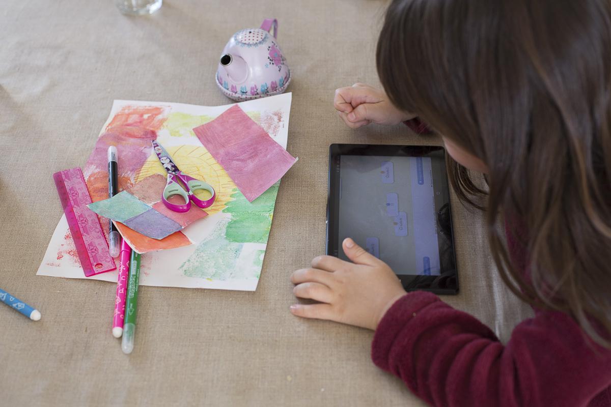 L'école à la maison sur une tablette