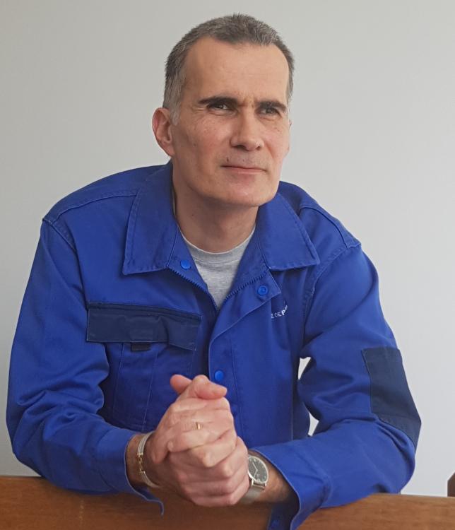 Alain Le Coz adjoint technique des installations sportives au gymnase Courcelles (17e)