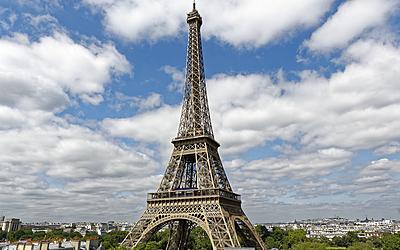 La tour Eiffel depuis la terrasse de l'hôtel Pullman