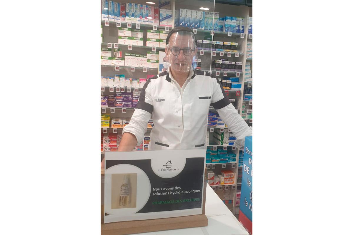 Philippe Bellaïche, pharmacien dans le marais.