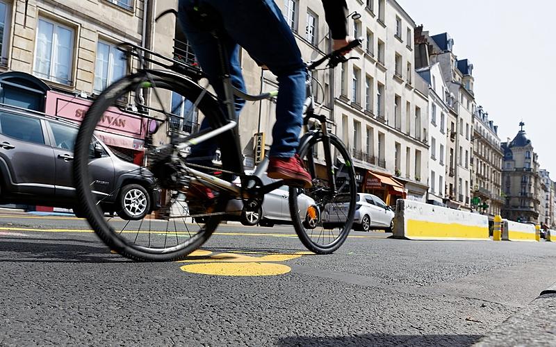 Piste cyclable rue Saint Jacques