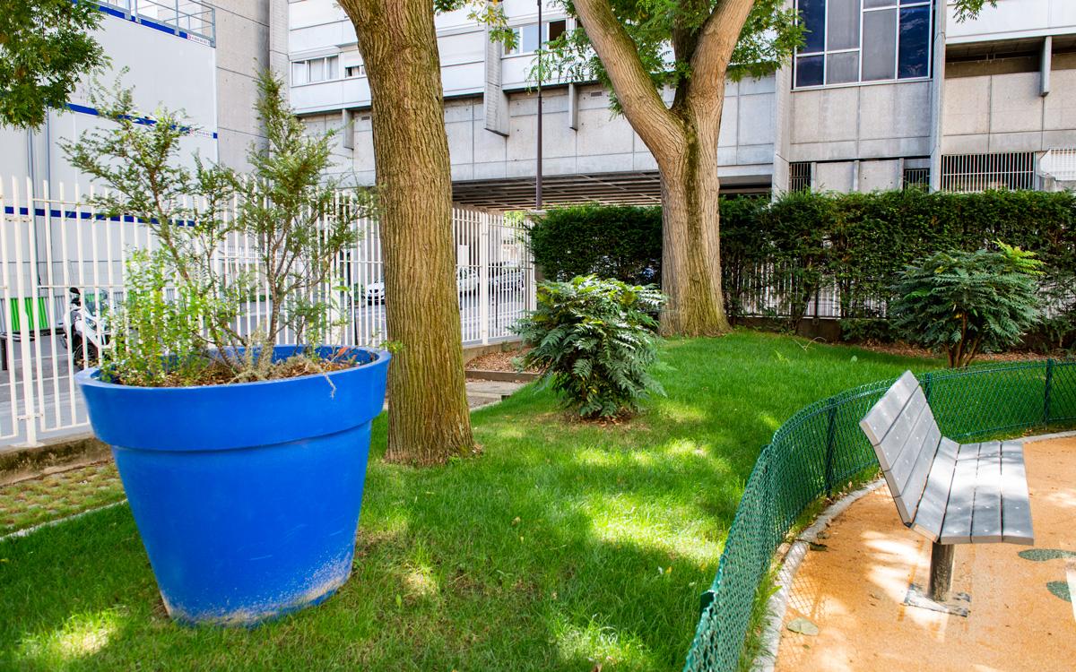Espaces verts dans le jardin des deux Moulins