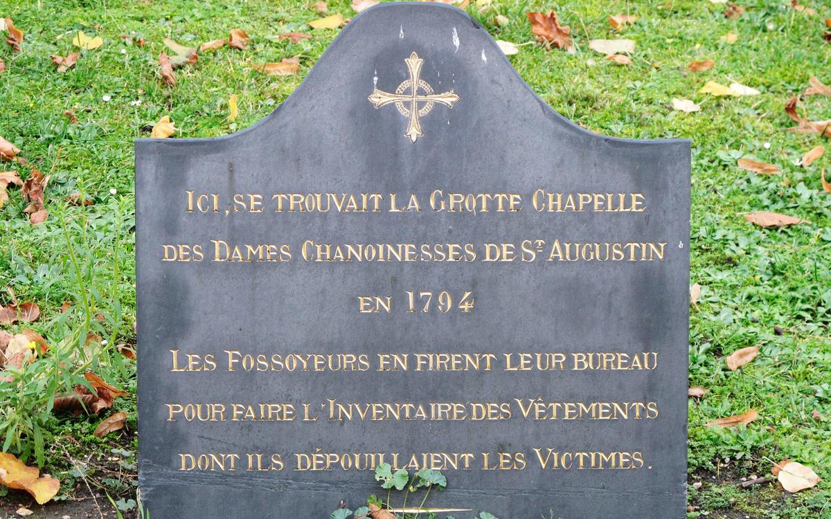 Plaque à l'emplacement de la porte de la Chapelle Picpus