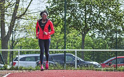 La sprinteuse Ayodelé Ikuesan lors d'un footing
