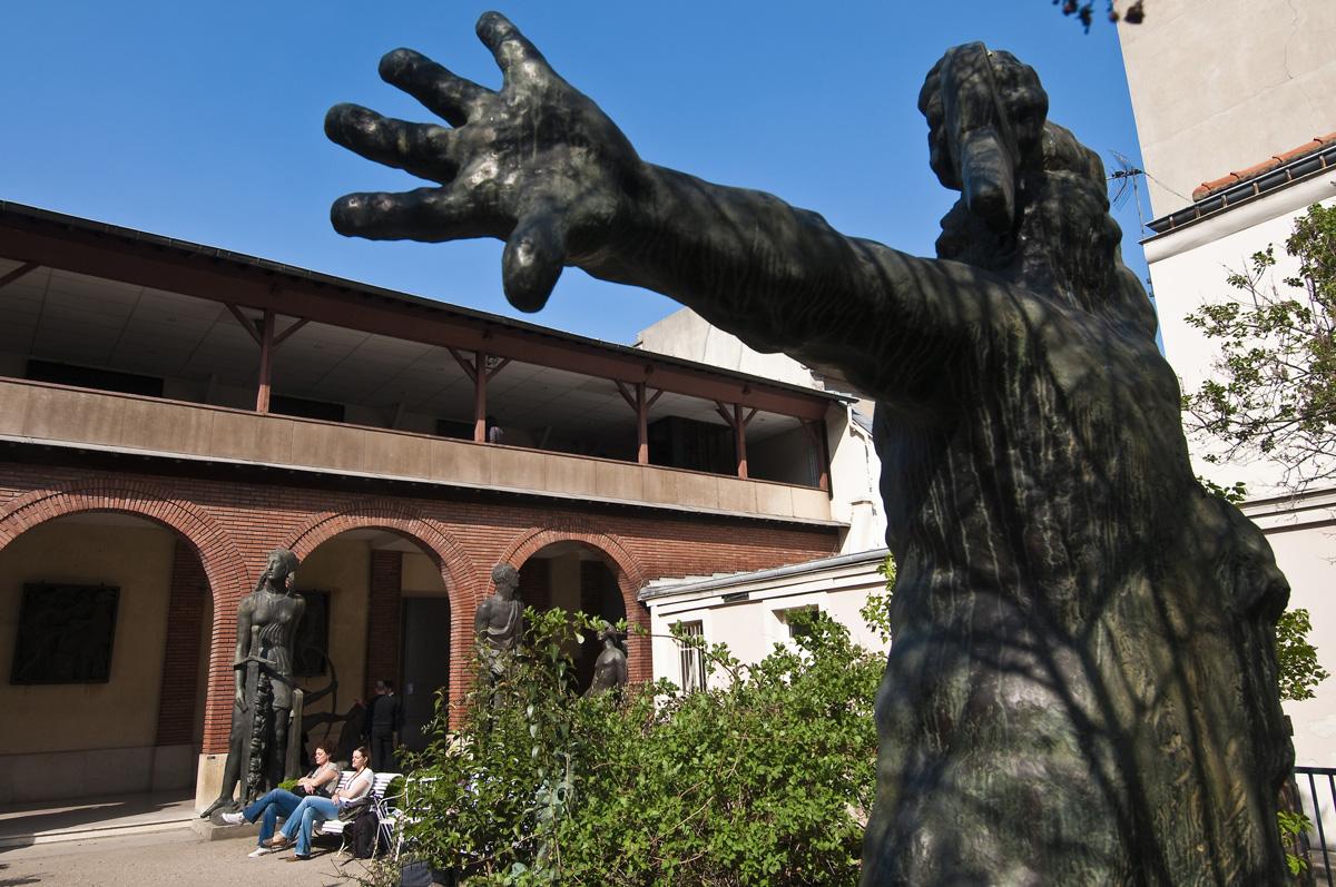 Statue dans le jardin du musée Bourdelle