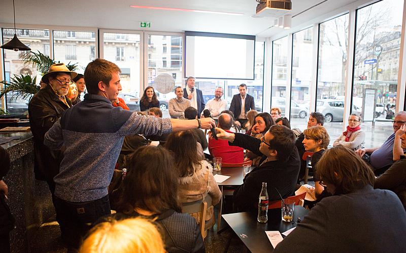 Nuit des débats au Café Fluctuat Nec Mergitur
