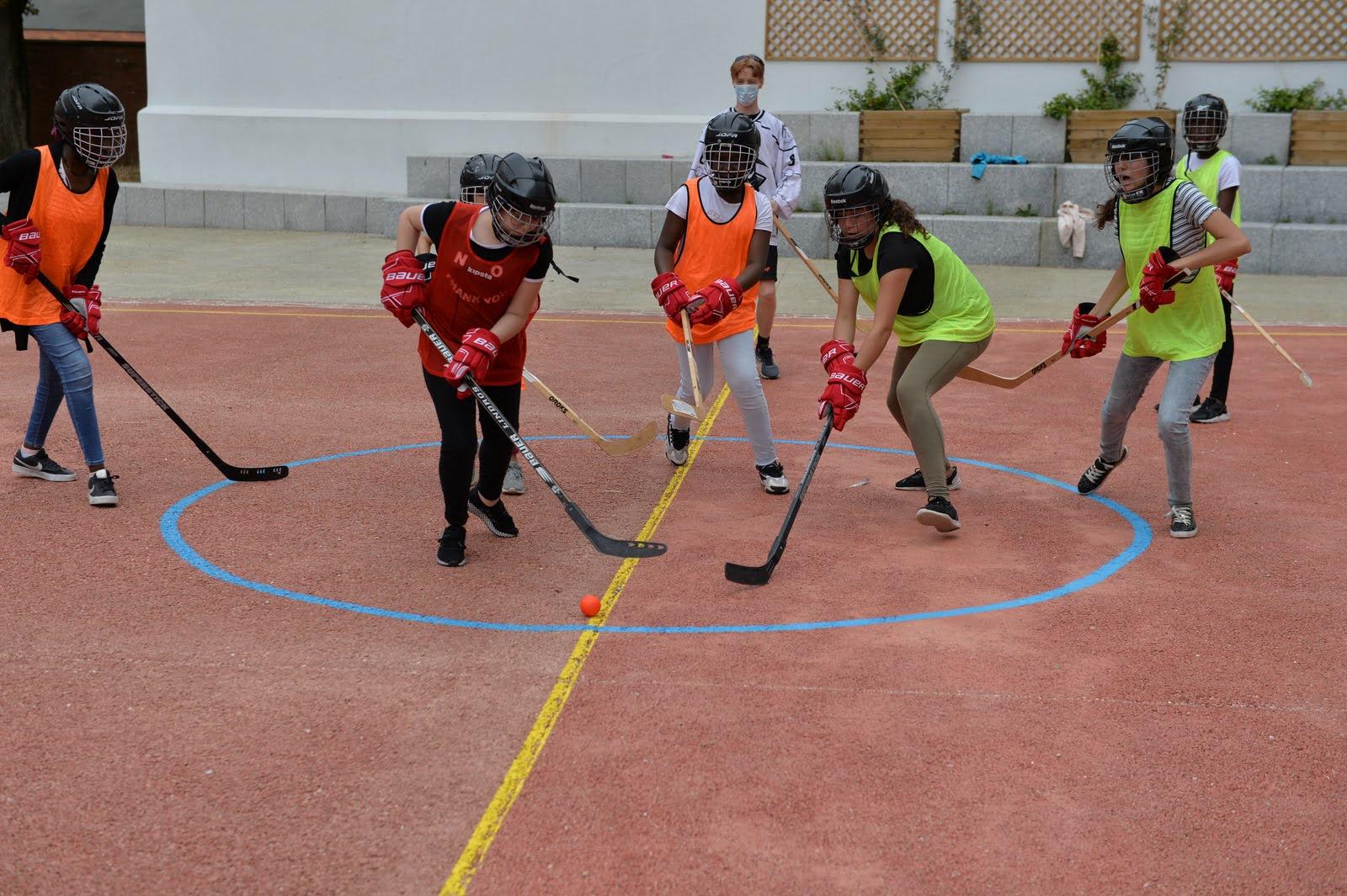 Tous au collège c'est les vacances : hockey au collège Guillaume Budé (19e)