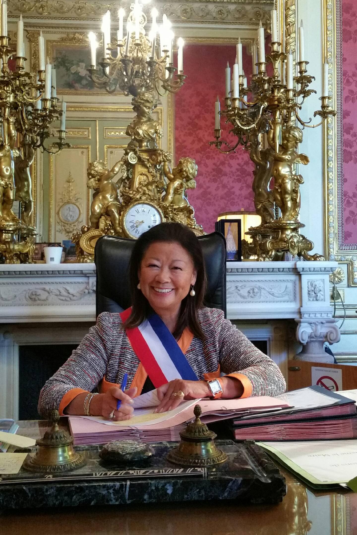 Jeanne d'Hauteserre, maire du 8e arrondissement