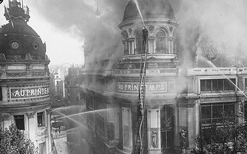 Incendie des grands magasins du Printemps en 1921