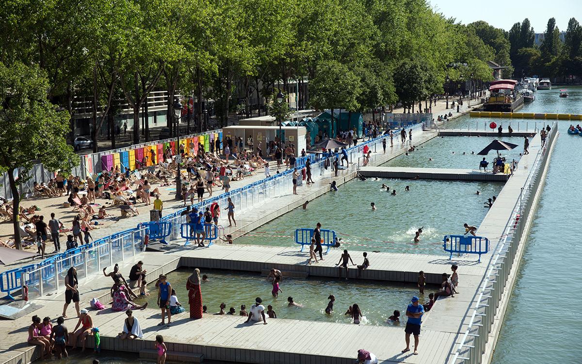 L'aire de baignade du bassin de la Villette à Paris 19e arr.