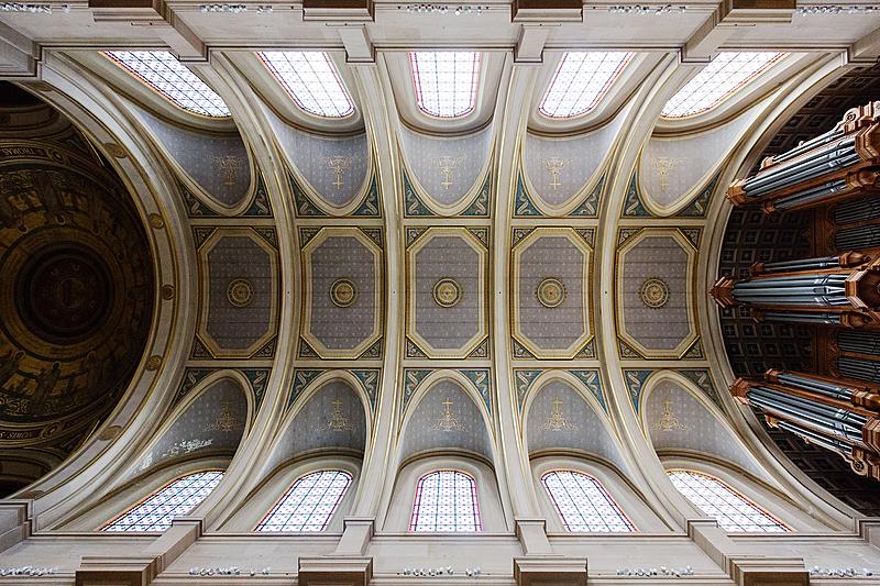 Église Saint-François-Xavier (VIIᵉarrondissement), voûte en pierre de taille, XIXᵉ siècle.