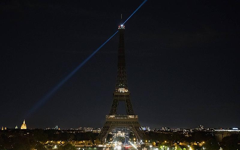 En hommage à Samuel Paty, la tour Eiffel s'est éteinte le 21 octobre à 20h.