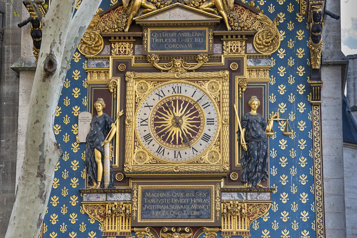 L'horloge du Palais de la Cité, la plus ancienne de Paris (1370)