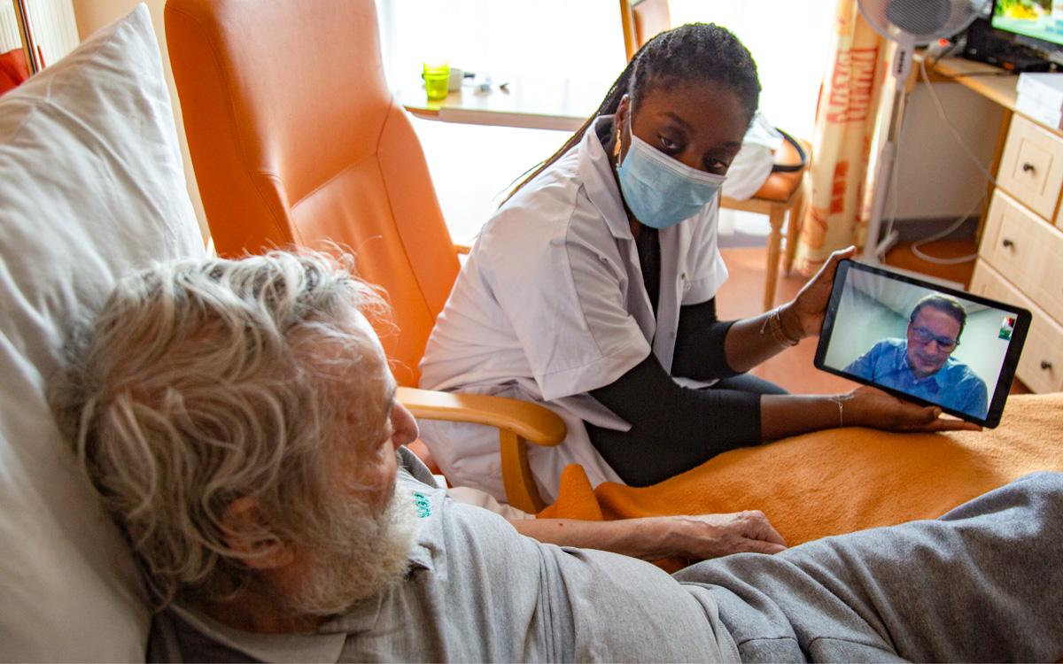 Aide aux séniors pendant la pandémie