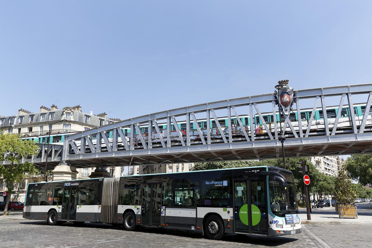 Autobus articulé de la RATP