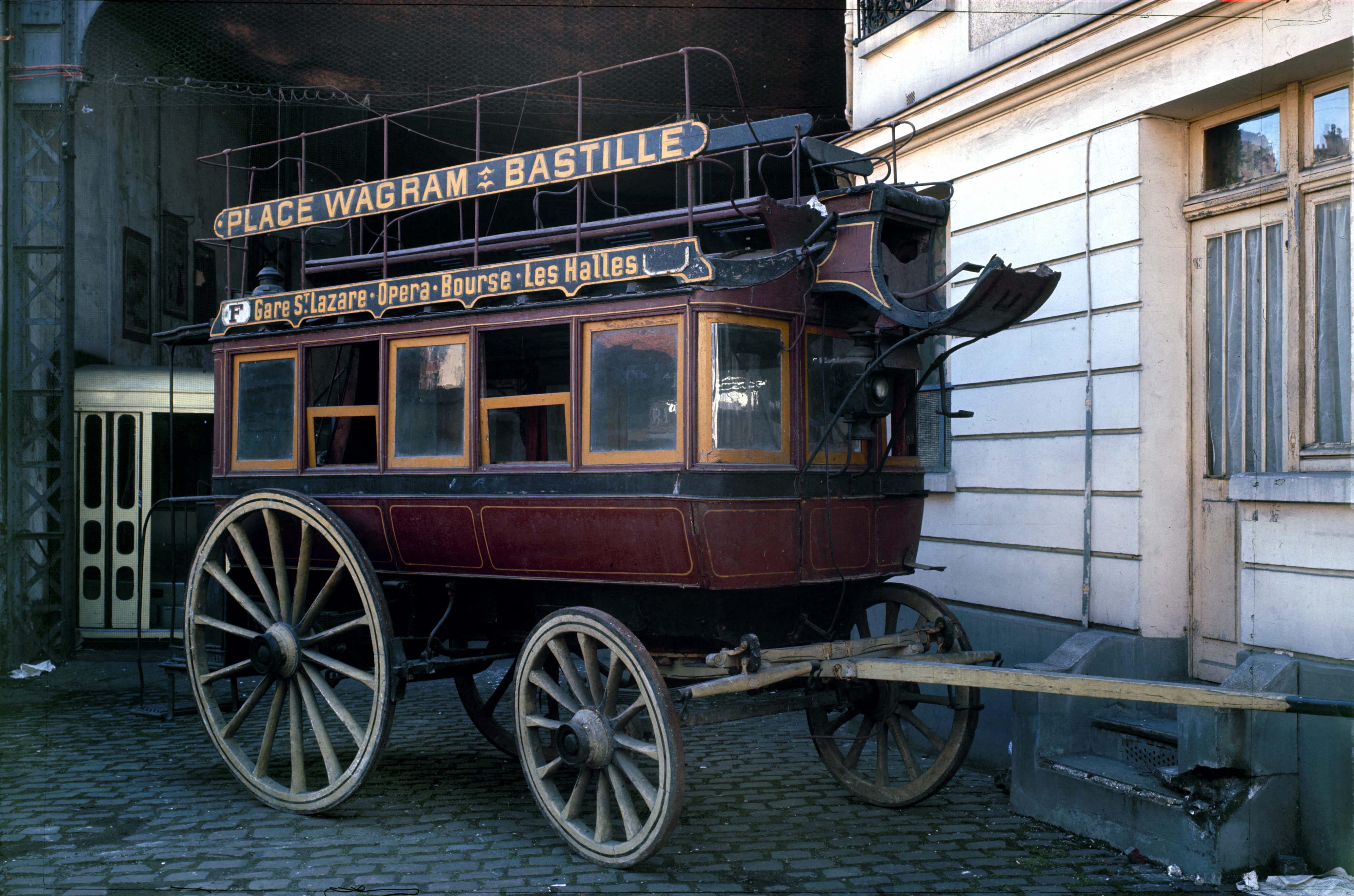 Omnibus de la compagnie générale des Omnibus de Paris. De 1879 à 1913 à deux chevaux. Musée des transports A.M.T.U.I.R.