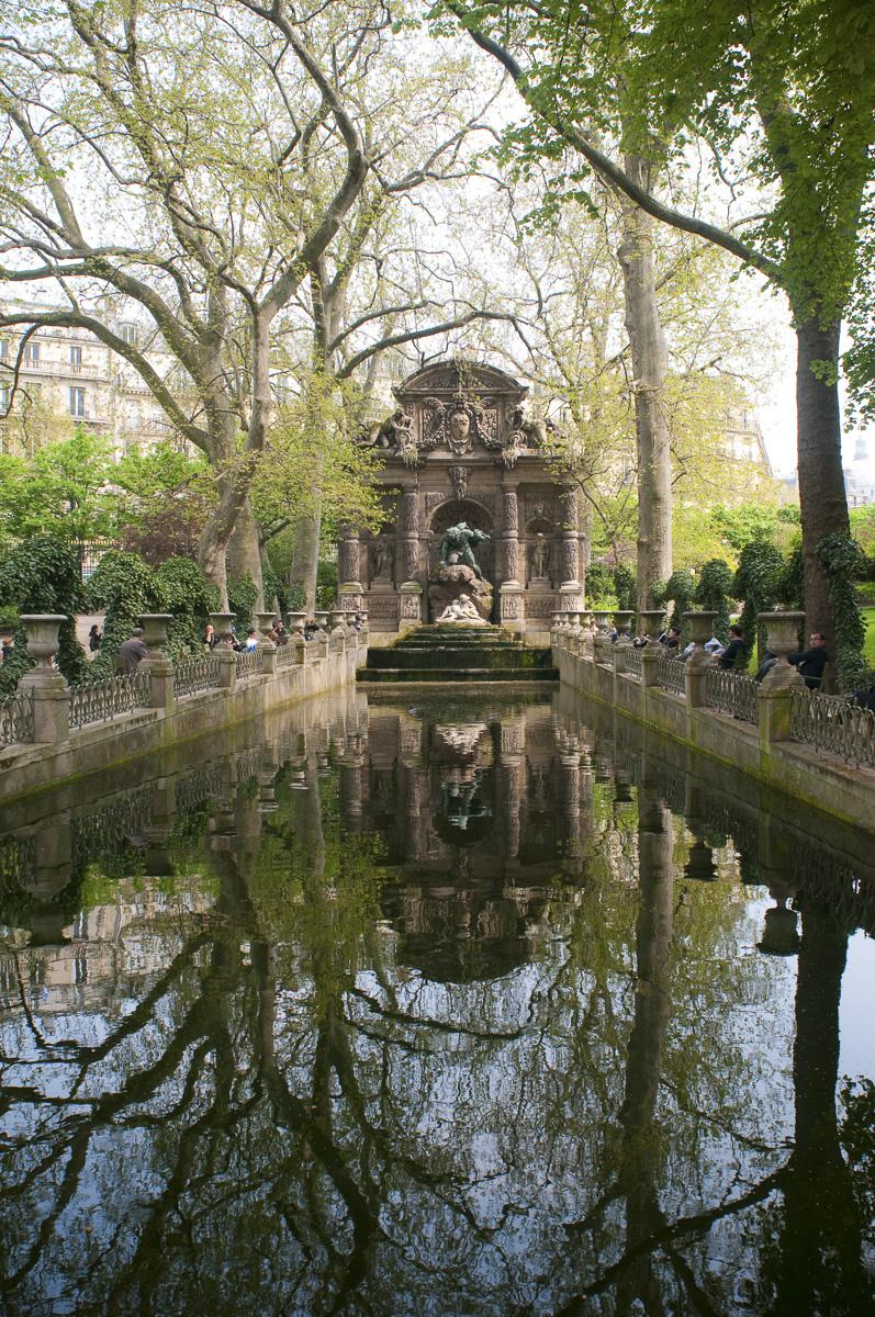 La fontaine Médicis, située dans le Jardin du Luxembourg