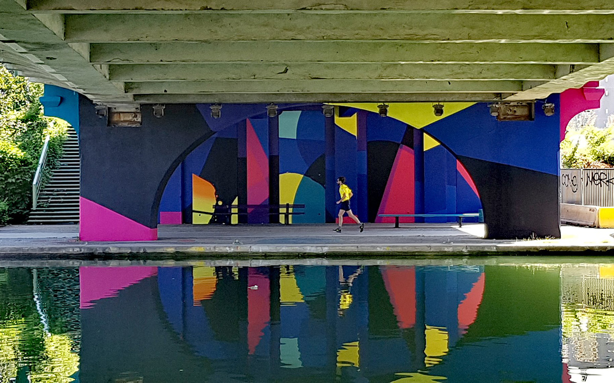 Street art au bord du canal Saint-Denis