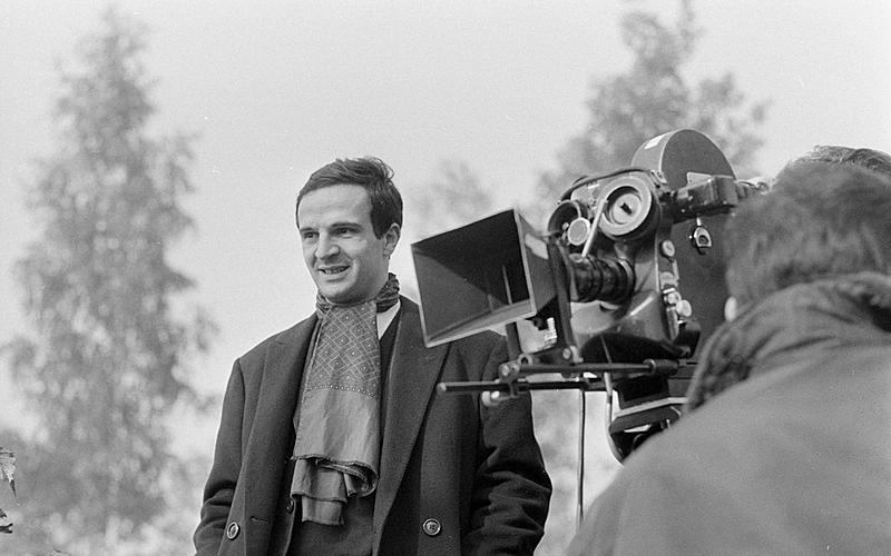 """François Truffaut (1932-1984), réalisateur français sur le tournage de son film """"La peau douce"""". 28 octobre 1963."""